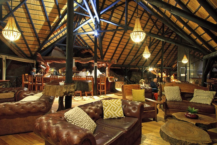 Twyfelfontein country lodge - lounge bar